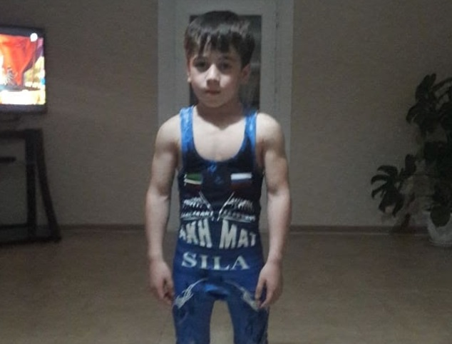 6 Year Old 'Chechen Schwarzenegger' Sets Two 'World Records'