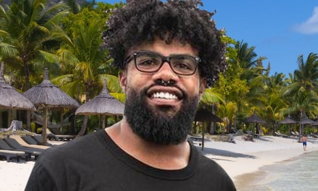 Ezekiel Elliott Heads Back to Cabo After Jerry Jones Snipe
