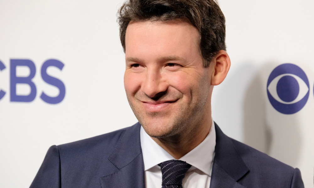 "Tony Romo Has High Praise for Sam Darnold Says He Has ""The It Factor"""