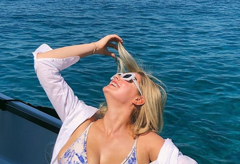 Kate Upton Soaking Up the Grecian Sun