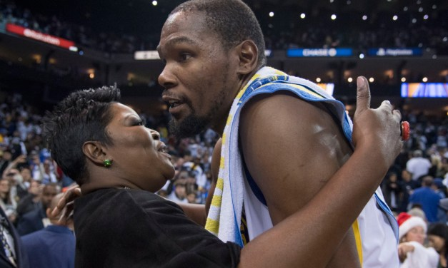Kevin Durant's NY Times Article Also Revealed his Mother Bathes Him