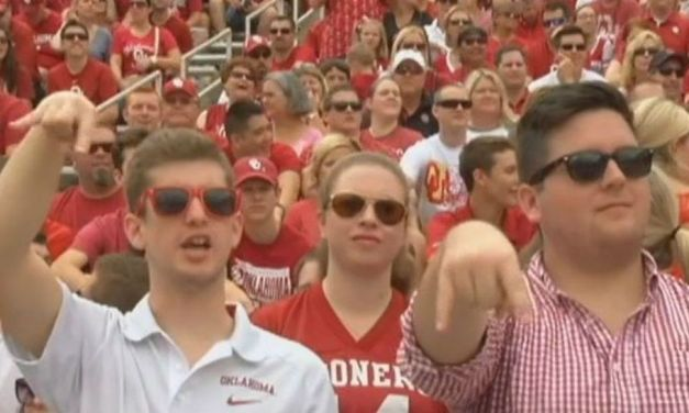 "The ""Horns Down"" Ban Was Lifted After Oklahoma's Win Over Texas on Saturday"