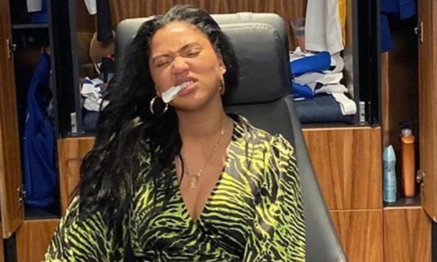 Ayesha Curry Posts Sexy Pic From Inside the Warriors Locker Room