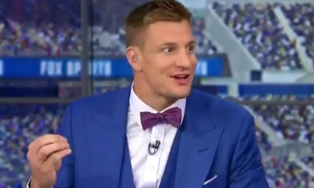 """Gronk Throws Major Shade at Jason Witten """"Cowboys Could Use a Tight End Like Myself"""""""