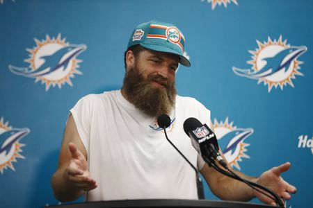Ryan Fitzpatrick Expects to Start for the Dolphins This Season