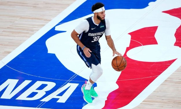 Seth Curry joins father-in-law Rivers in Philly