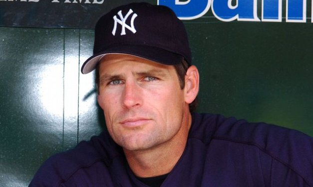 Ex-pitcher Erickson charged in hit-and-run case