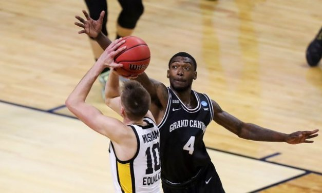 Grand Canyon hoops' Frayer dies in car accident
