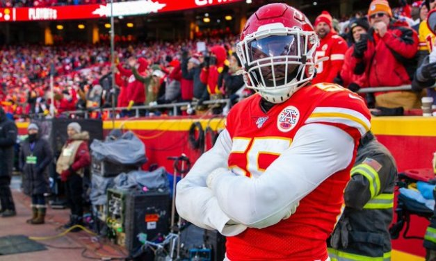 Chiefs' Clark arrested; cops say Uzi spotted in car