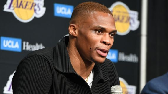 Russ says 'it's surreal' to join hometown Lakers