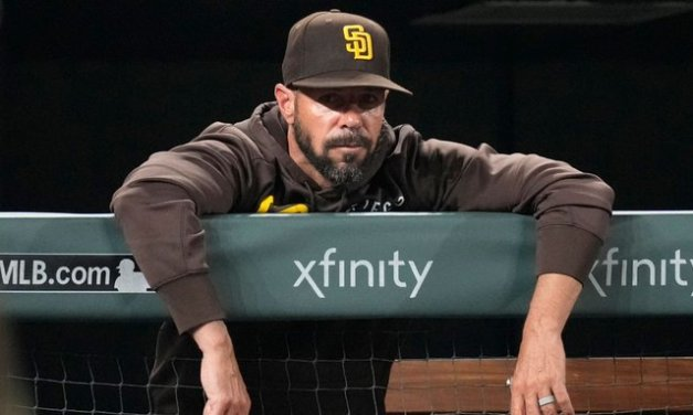 Padres fire Tingler following late-season collapse