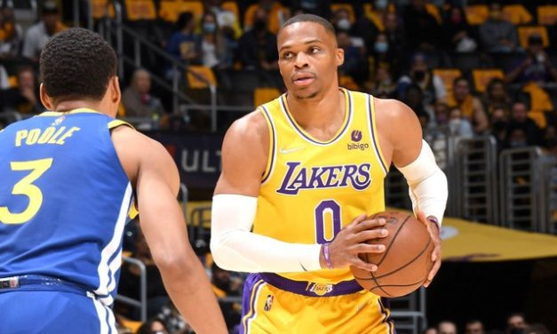 LeBron, AD reassure Russ after Lakers lose debut