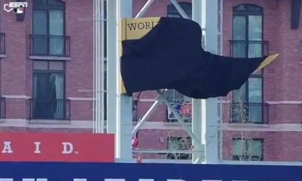 The Houston Astros Struggled to unveil Their 2017 World Series Banner