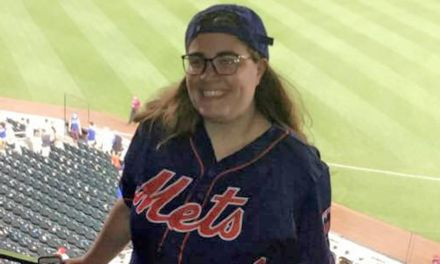 Teen Takes Prom Photos with New York Mets After Request Gets 500K Retweets