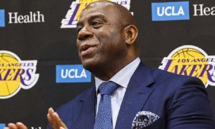 Magic Johnson Will 'Step Down' If Lakers Miss Out on Free Agents
