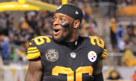 Le'Veon Bell Sent a Tweet to Fans After Being Unable to Reach a Long-term Deal with the Steelers