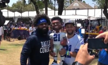 Fan Had Ezekiel Elliott Sign a Huge Bobblehead