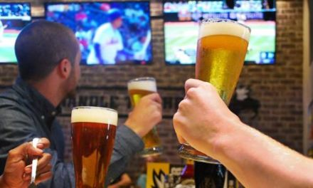 Buffalo Wild Wings Trying to Add Sports Betting to its Menu