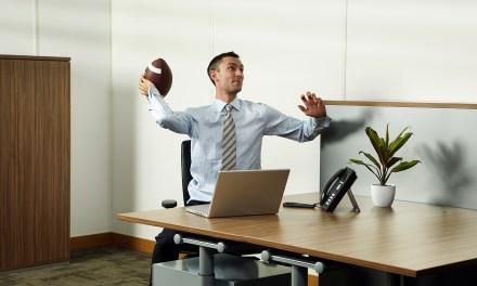 Workers Spend 6.9 Hours Per Week On Their Fantasy Football Teams