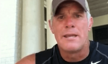 Brett Favre Says Aaron Rodgers is a Top 5 Player of All-Time