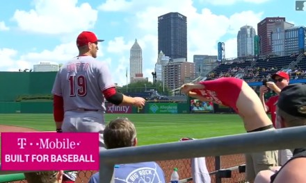 "Joey Votto Traded a Jersey for a ""Votto For President"" T-shirt with a Fan"