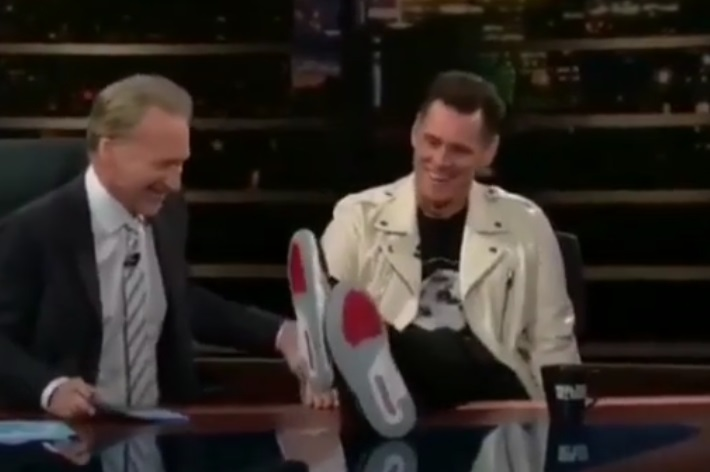 Jim Carrey Supports Colin Kaepernick and Nike