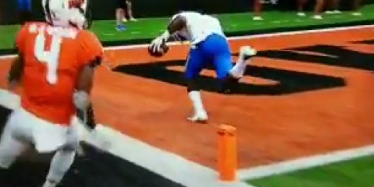 Boise State's A.J. Richardson Hauled in a One Handed Catch and Took it in For a TD