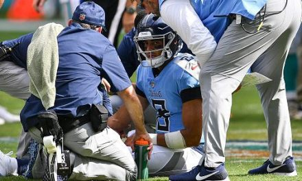 Marcus Mariota is Expected to Play Despite a Pinched Nerve in His Elbow