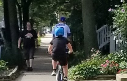Ben Zobrist Rode His Bike To The Game In Full Uniform