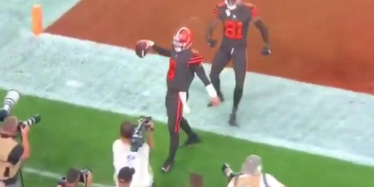 "The Browns Run ""The Philly Special"" to Tie the Game"