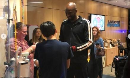 Kobe Bryant Pays Visit to the Children's Hospital