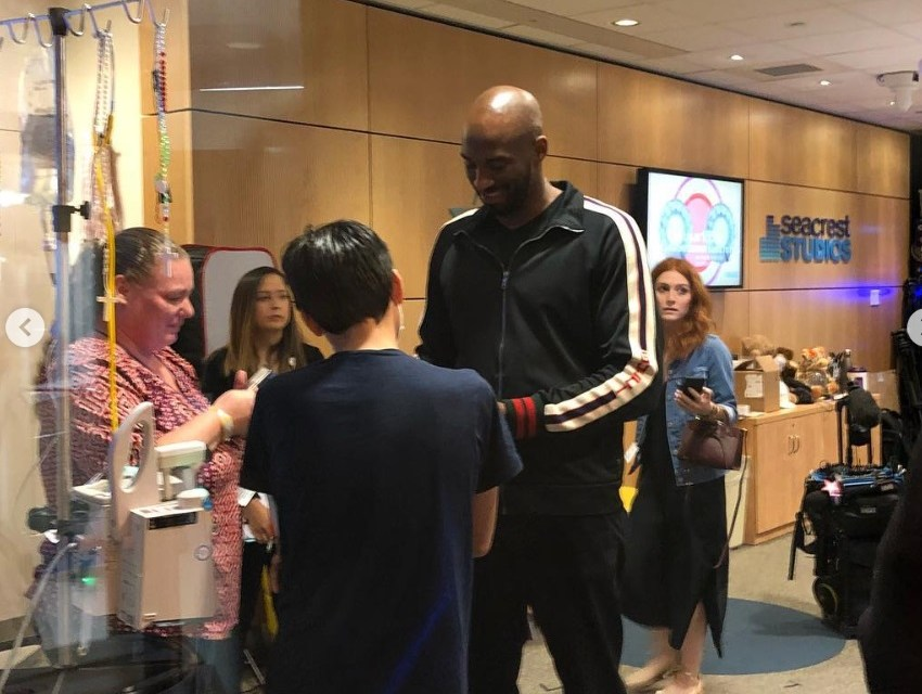 Kobe Bryant Pays Visit to the Children's Hospital