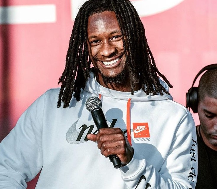 Todd Gurley Takes in Some Model Volleyball in Venice Beach
