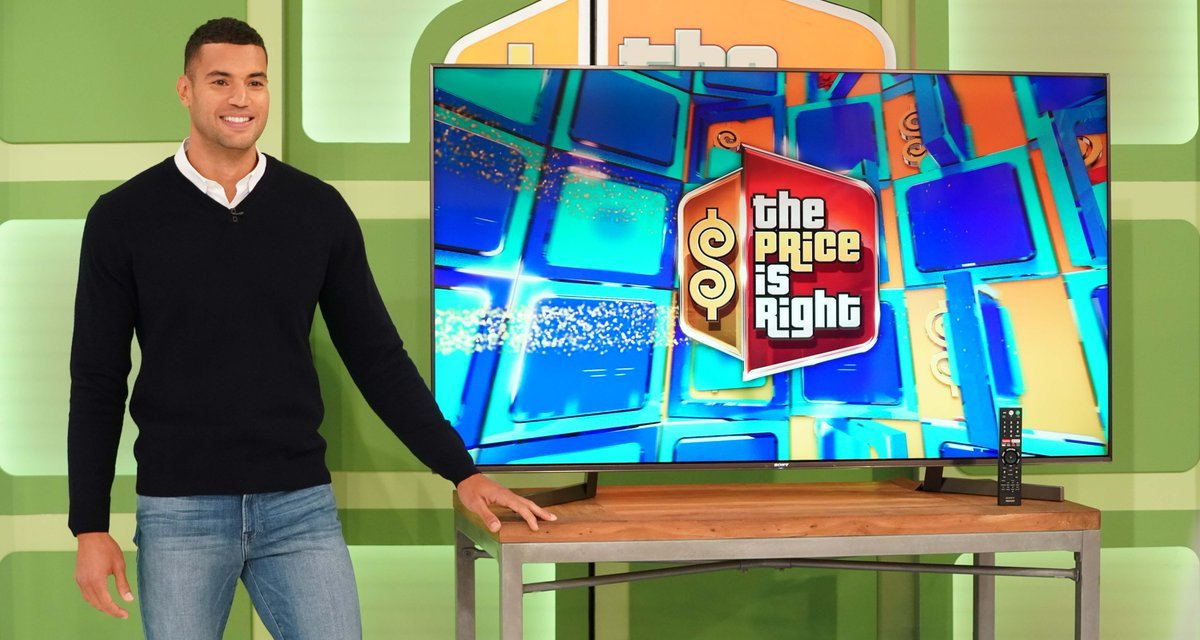 Former NFL Player Devin Goda Makes his Debut On The Price is Right