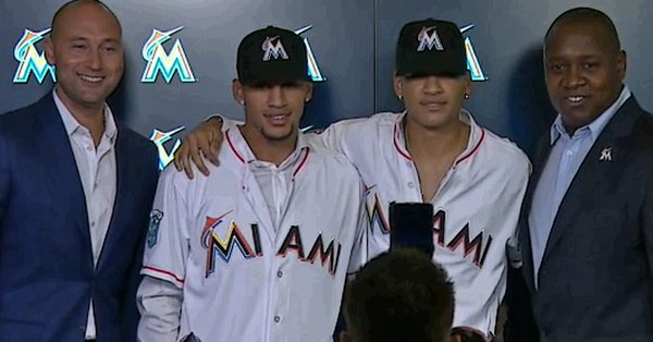 Marlins Sign Cuba's Highly Rated Mesa Brothers