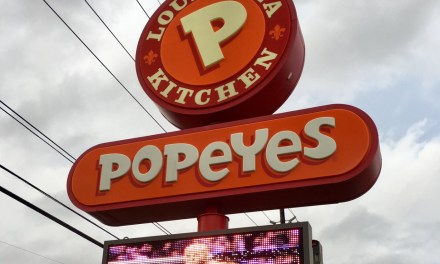 Houston Popeyes Offering Free Meals if Derrick Lewis Beats Daniel Cormier