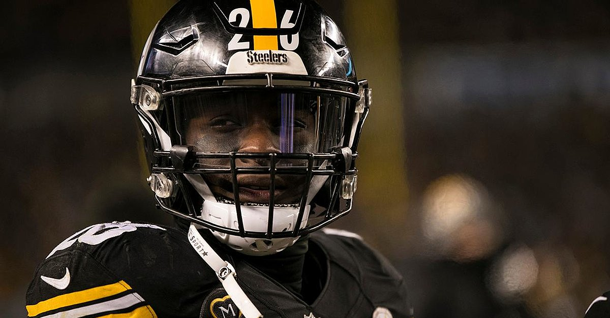 Steelers' O Line's David DeCastro Says No One Cares About Le'Veon Bell's Return