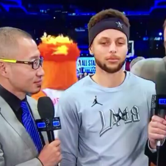 Steph Curry Pretends to Understand Chinese