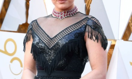 Lindsey Vonn Had Some Issues with Her Dress at the Oscars