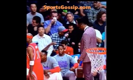 Dwight Howard Grabbed Isaiah Canaan's Dick During Game