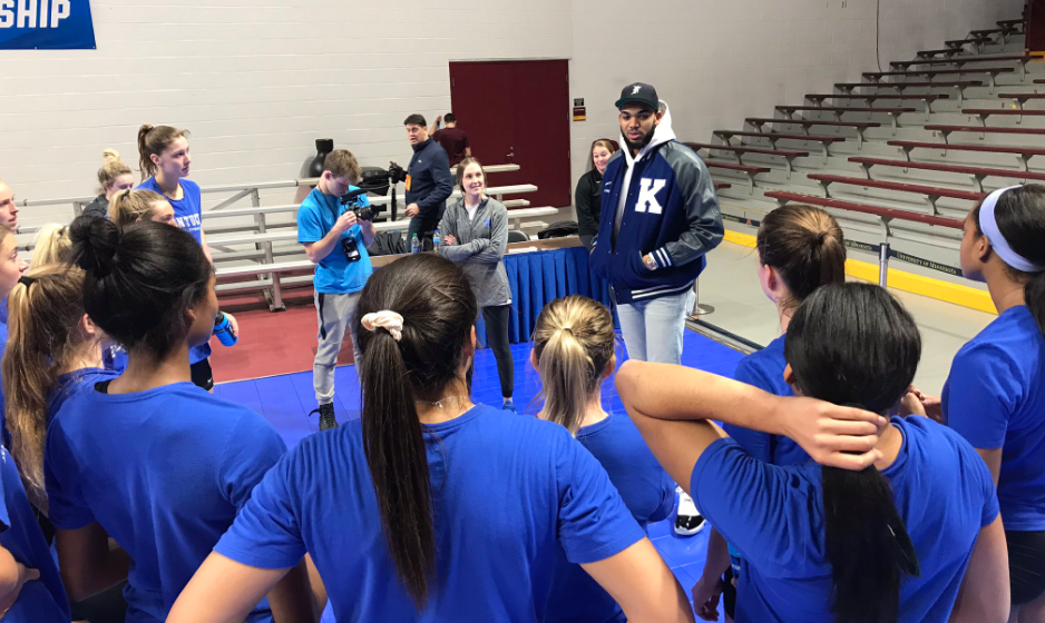 Karl-Anthony Towns Spent his Off Day with the Kentucky Volleyball Team