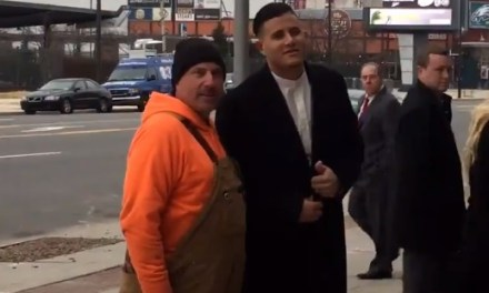 Philly Construction Worker Tells Manny Machado To 'Get The Money'