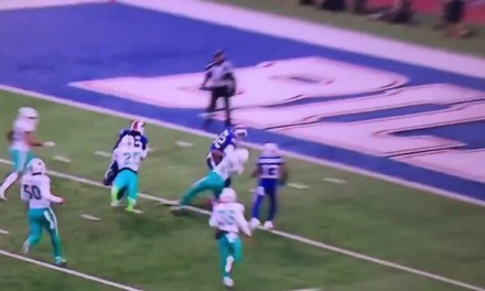Bills TE Logan Thomas Sends Dolphins DB into Concussion Protocol with a Devastating Block