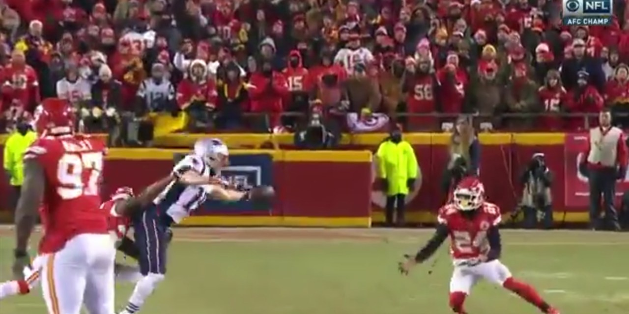 Patriots WR Chris Hogan Makes an Incredible One-Handed Catch