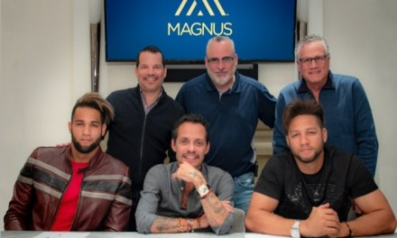 Marc Anthony Signs Major League Siblings Yulieski and Lourdes Gurriel