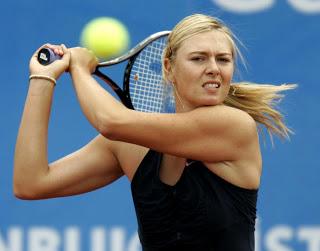 Maria sharapova playing tennis 2