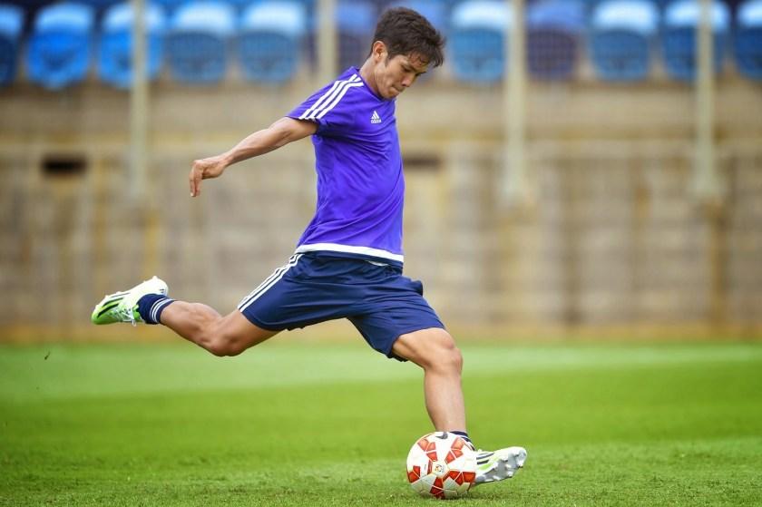 Chelsea chase for Yoshinori Muto