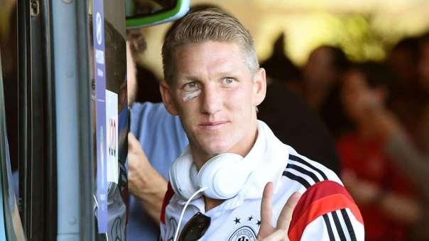 Schweinsteiger says Goodbye to Bayern Munich fans