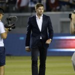 Gerrard introduced to LA Galaxy crowd