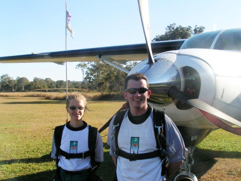 Jo-Gunston-Parachute-jump-02